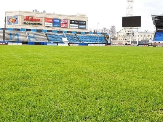 На стадионе «Шинник» вырос идеальный газон