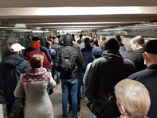 Пробки на дорогах и толчея в метро
