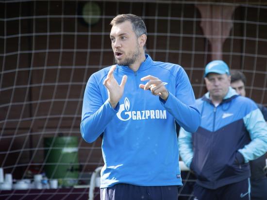 Летом у капитана сборной России истекает срок действия контракта и он станет свободным агентом – может перейти в любой клуб мира совершенно бесплатно.
