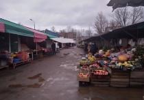 Продавец, наденьте маску: как торгует в коронавирус рынок в Пскове