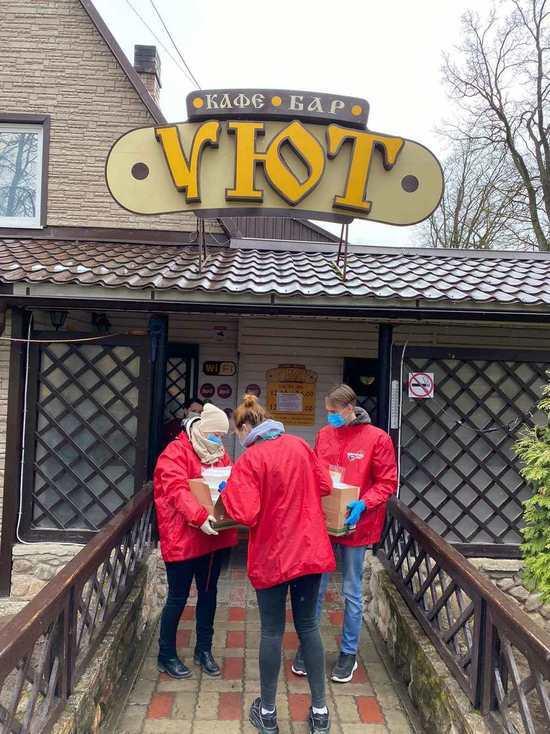 Кафе в Печорах бесплатно кормит пенсионеров горячими обедами