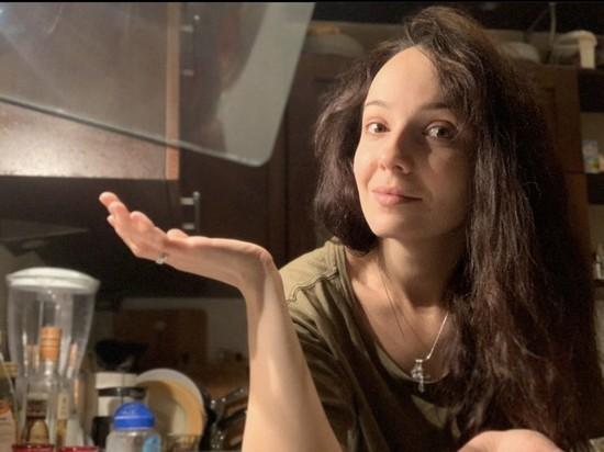 Валерия Ланская рассказала рецепт любимого грушевого пирога своей семьи