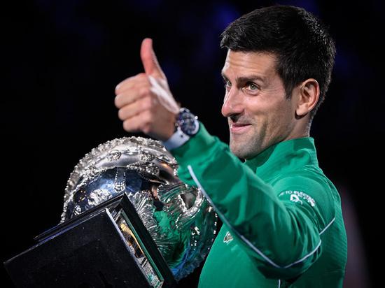 Джокович, Надаль и Федерер протянули руку помощи коллегам по корту