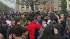 Видео беспорядков в Северной Осетии: толпа без масок