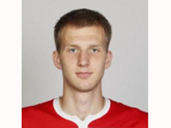 22-летний футболист
