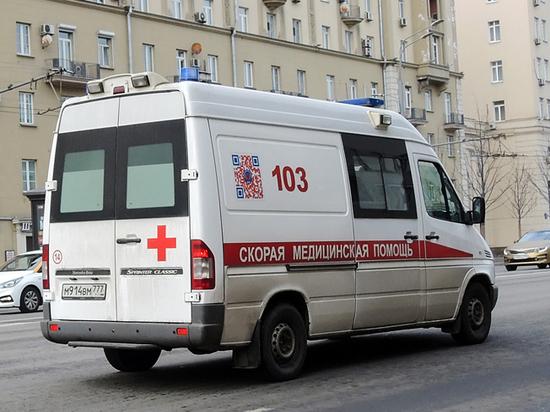 В подъезде дома на Ленинском проспекте найдены трупы двоих подростков