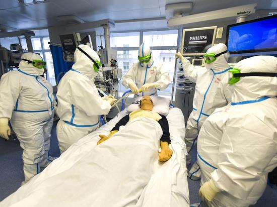 Ученый сообщил о лечении коронавируса гелием и оксидом азота