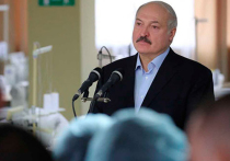 Президент Белоруссии Александр Лукашенко заявил: несмотря на распространение коронавируса, в стране пройдут все запланированные на 9 мая мероприятия