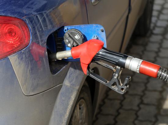 Российскому бензину предсказали подорожание, несмотря на крах нефти