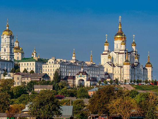 На украинских церковников завели дела: пасхальные службы оказались слишком многолюдными