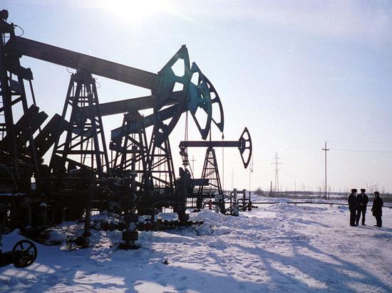 """Экономисты оценили теорию """"нефтяного сговора"""" против России"""
