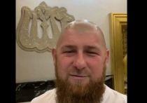 """Глава Чечни Рамзан Кадыров появился в эфире """"Грозный ТВ"""" с бритой налысо головой"""