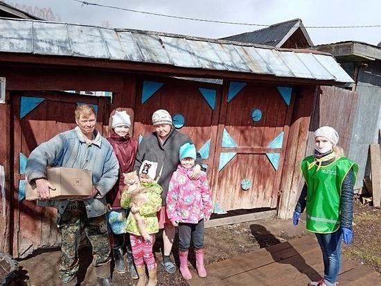 Тысяча кировских семей получила продуктовые наборы