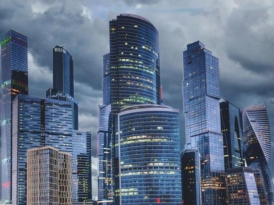 Штормовой ветер в Москве продлится до вечера среды