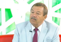 Завтра, 24 апреля, не смотря ни на что, состоится сессия Верховного Совета Республики Хакасия, на которой глава региона коммунист Валентин Коновалов, попавший  в высший эшелон власти в результате протестного голосования осенью 2018 года, будет отчитываться перед депутатами о проделанной им и его «народным» правительством работе и исполнении бюджета в 2019 году