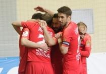 Футбольный клуб «Енисей» урезал зарплаты игрокам