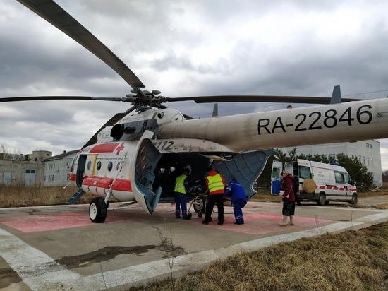 В Тверь на вертолете доставили тяжелобольную женщину