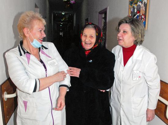В России призвали закрыть на карантин дома престарелых и психинтернаты