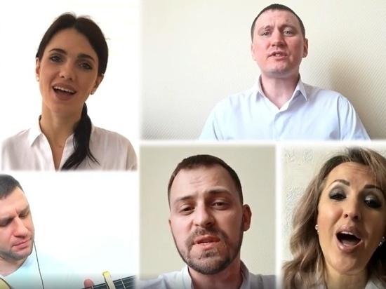 Ямальские артисты посвятили песню врачам и спели ее по видеосвязи