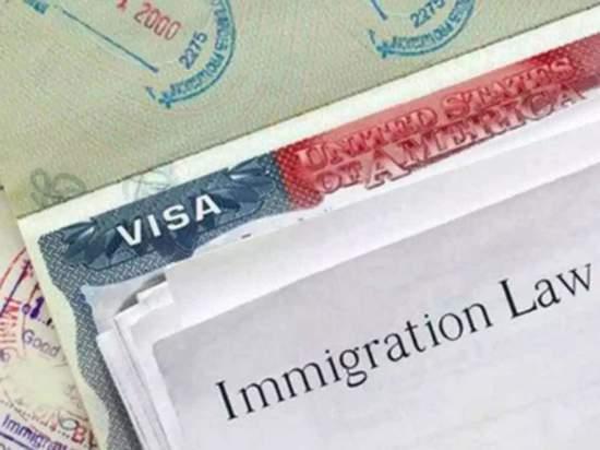 Президент подписал указ об остановке на 60 дней иммиграции в США