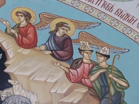 В главном православном соборе Кыргызстана на библейских персонажей надели ак-калпак