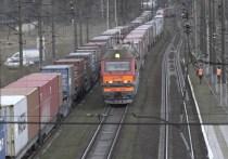 В Екатеринбург ускоренным поездом доставлено оборудование для производства масок
