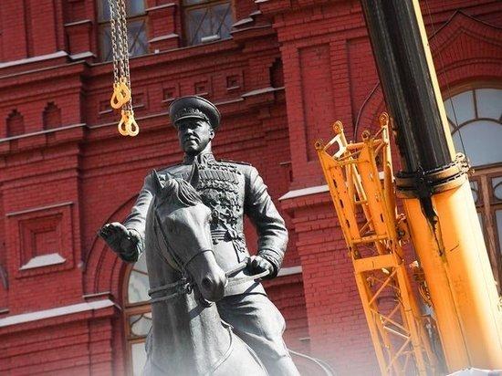 На Манежную площадь вернули по всем признакам «старого» маршала, а куда делся «новый» – не понятно