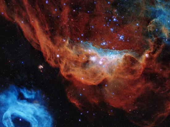 NASA показало снимок с «Хаббла» в день его 30-летия