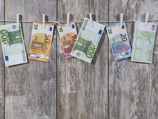 Германия: деньги сотрудникам, переведенным на неполный рабочий день, выплатят с опозданием