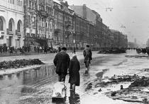 Дети Германии о войне: И вдруг до нас донеслись несколько строк песни, передаваемой по радио. «Ведь мы же с тобой ленинградцы, мы знаем, что значит война…», услышали мы.