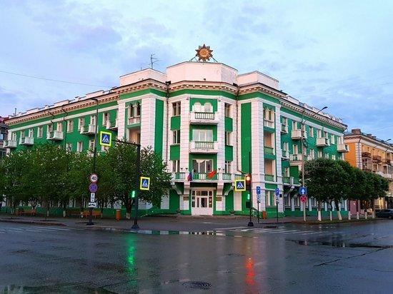 Глава красноярского госпиталя ветеранов войн выпала из окна 5 этажа