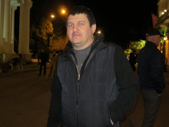 Человек, поменявший власть в Абхазии, рассказал о войне в ДНР