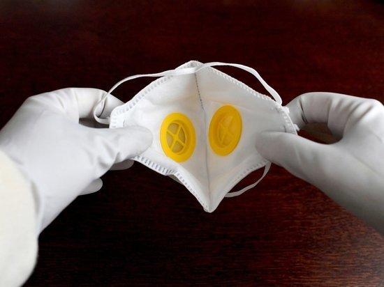 Психолог объяснила причину нежелания носить медицинские маски