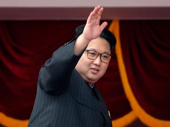 СМИ нашли личный бронепоезд Ким Чен Ына на курорте в КНДР