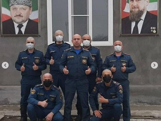 Весь МЧС Чечни побрился налысо вслед за Кадыровым