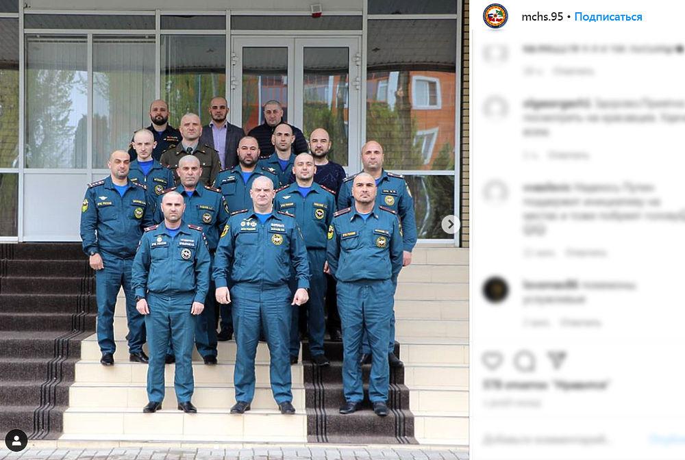 Кадыров вдохновил чеченских спасателей: побрились налысо назло коронавирусу