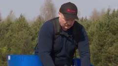 Лукашенко вывел страну на субботник: вместо карантина сажал сосны