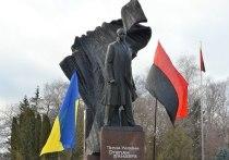На Украине к Дню Победы готовят ордена для бандеровцев