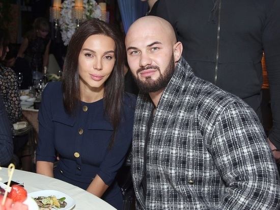 """Джиган поздравил Самойлову и дочь после расставания: """"Люблю больше жизни"""""""