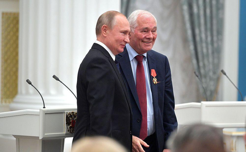 Леонид Рошаль стал Героем Труда