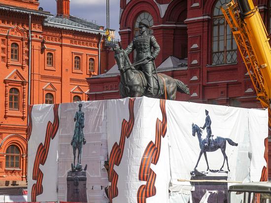 История с монументом превратилась в детектив