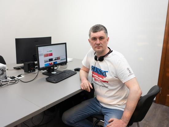 В Салехарде бизнесмен бесплатно настраивает оборудование для онлайн-учебы школьников