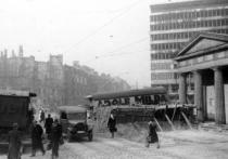 30 апреля советские подразделения вели ожесточенные бои в квартале от бункера фюрера и вблизи рейхстага
