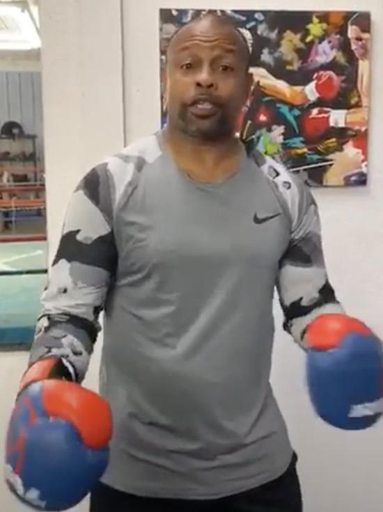 Боксеры принялись избивать коронавирус, не покладая рук