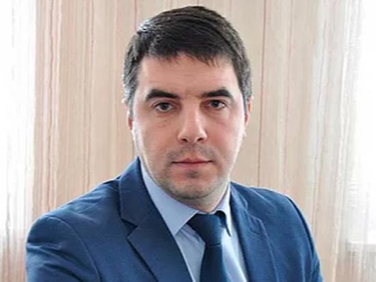 Глава Минздрава Тульской области, подхвативший коронавирус, самоизолировался в кабинете