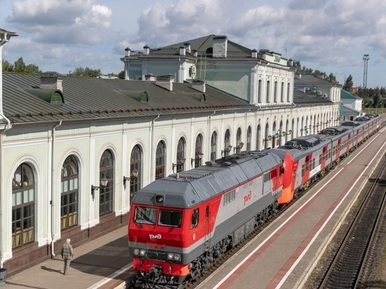 Мир! Труд! Май и COVID: жители столицы раскупили билеты на поезда до Пскова