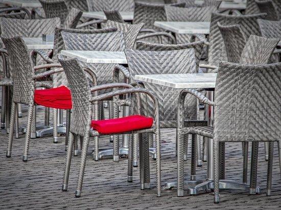 Германия: Три федеральные земли планируют открыть отели и рестораны до конца мая