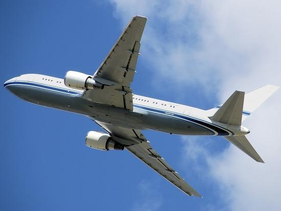 Ученые показали, как можно заразиться COVID-19 в самолете
