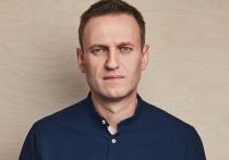 Пока все вменяемые люди чесали пузо на самоизоляции, в политической жизни страны случилось немыслимое: официальный представитель МИД России Мария Захарова вызвала на битву оппозиционера Алексея Навального