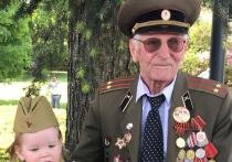 Новости Германии. Владимир Васильевич Сватиков, которому в июле этого года исполнится 100 лет (!), прошел всю войну и закончил ее в мае 1945 года под Прагой. Он воевал в оборонительных боях под Москвой, освобождал Прибалтику, брал Вену и Будапешт.